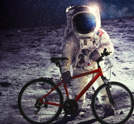 Fly Me To The Moon: guided bike tour - Image